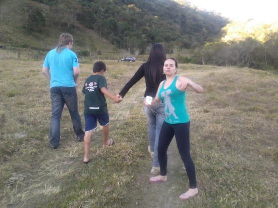 Promenado en akvofalo - Passeio na cachoeira