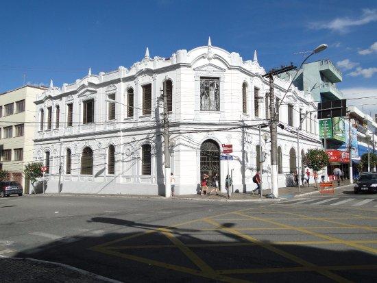 fachada-do-centro-cultural